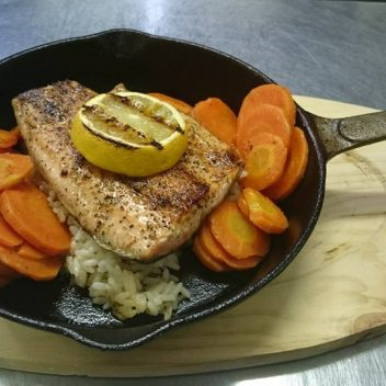 Salmon on Rice with Carrots