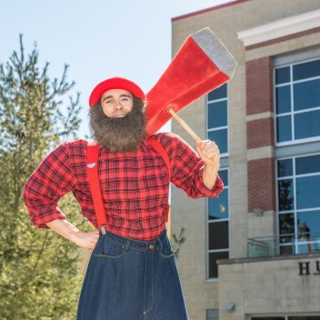 The 9' Tall Lumberjack
